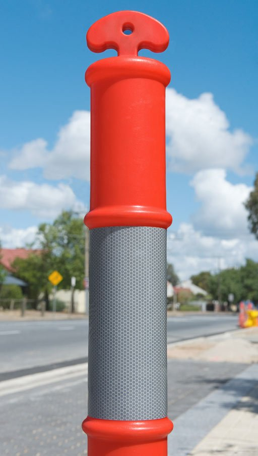 T-top bollard with reflective collar
