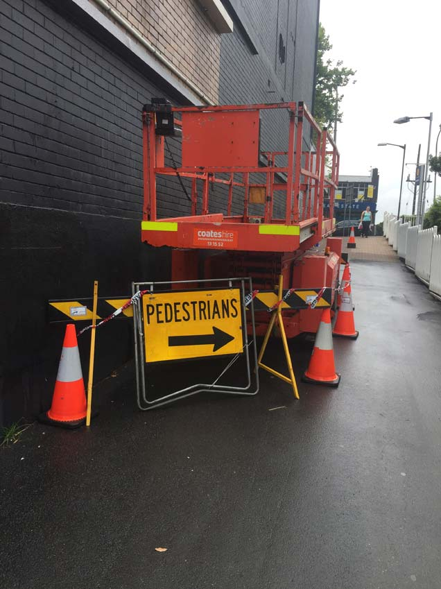 Exclusion zone on footpath during construction - Piccadilly Centre,Wollongong